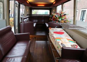 uitvaartbus cremeren begraven crematorium