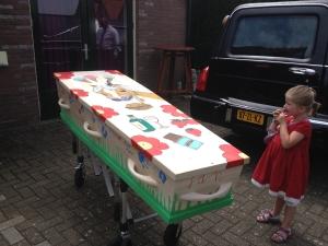 kinderuitvaart crematie kist begraven